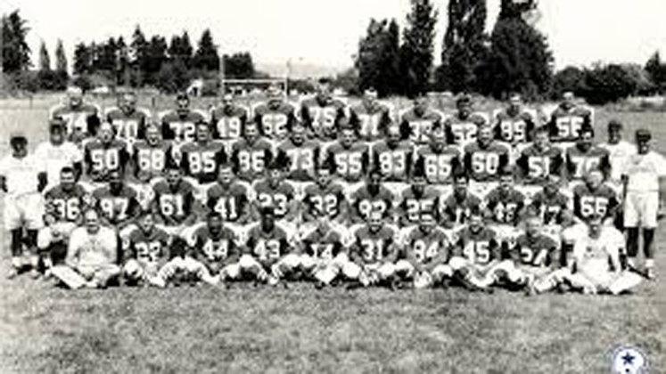 Dallas Cowboys (1960). Surpreso de ver a franquia aqui? Em sua primeira temporada, os Cowboys perderam 11 partidas e empataram um jogo.