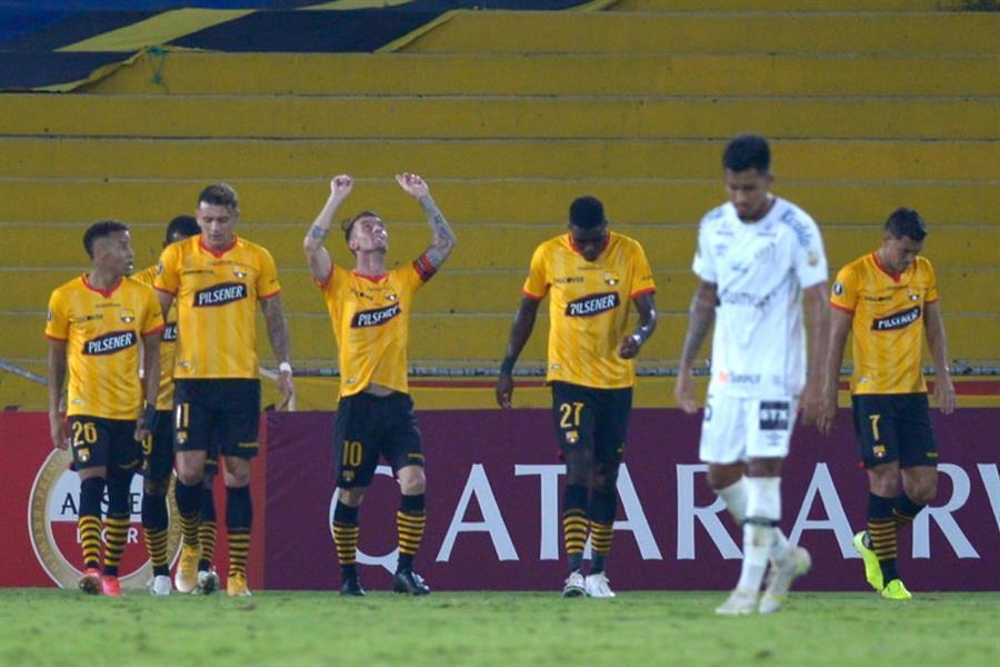 Santos eliminado pelo Barcelona de Guayaquil. Vexame na Libertadores