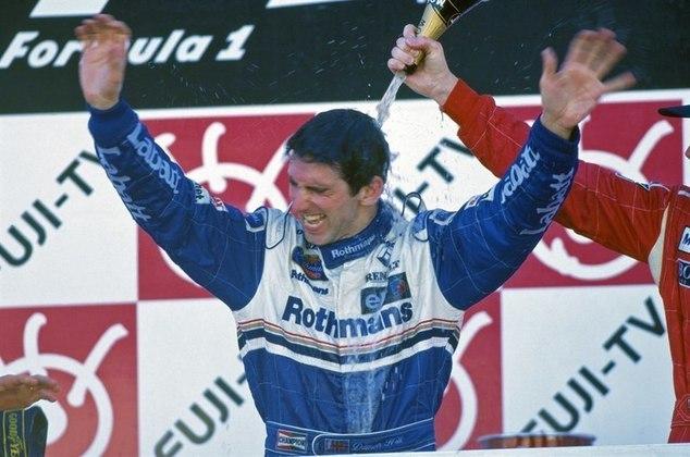 Damon Hill - O ex-automobilista britânico é filho do falecido bicampeão mundial de Fórmula 1 Graham Hill (1962 e 1968). Em 1996, venceu o título da Fórmula 1 após uma disputa de herdeiros com Jacques Villeneuve, e tornou-se o primeiro filho de campeão a vencer um campeonato da modalidade