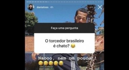 Dani Alves ironiza torcida brasileira