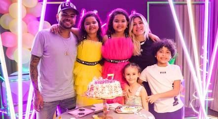 Dani Souza em família, na Ucrânia