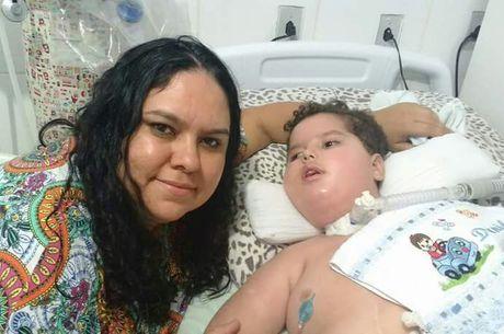 Weila espera desde fevereiro o remédio para o filho Daniel