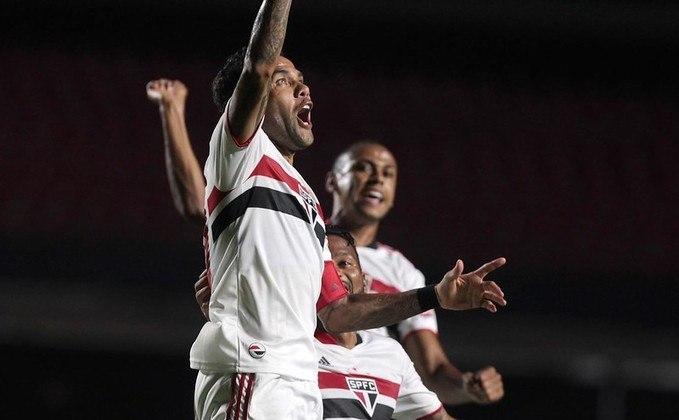 Daniel Alves - 1 gol: fez um belo gol de falta na goleada por 5 a 1 sobre o São Caetano, no Morumbi.