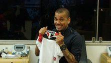Daniel Alves não tem do que reclamar. Acertou a rescisão com o São Paulo. Ganhará quase R$ 30 milhões
