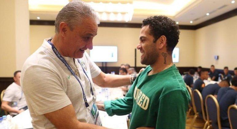 Para realizar o sonho de disputar a Copa do Catar, Daniel Alves precisa arrumar um clube