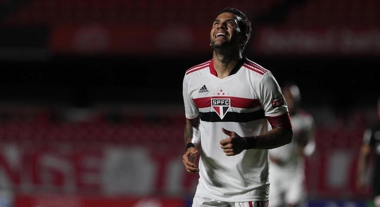 São Paulo não tem patrocinador master desde março. Sonha com R$ 15 milhões por ano