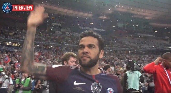 Daniel Alves, campeão da Copa da França de 2018 pelo PSG