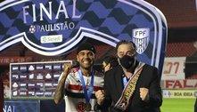 Atual diretoria do São Paulo foi conivente. Sabia que Daniel Alves custaria absurdos R$ 1,5 milhão por mês