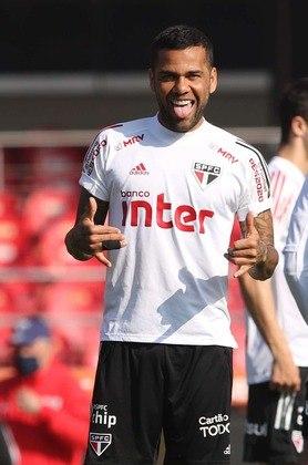 DANIEL ALVES - O jogador do São Paulo e da Seleção foi o único representante do São Paulo no esquadrão.