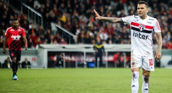 Daniel Alves já tem duas vitórias pelo São Paulo