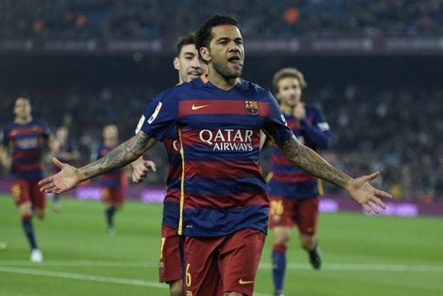 Daniel Alves, quando atuava pelo Barcelona, venceu três vezes a Liga dos Campeões.