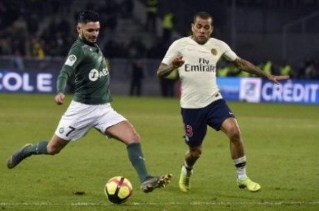 Dani Alves é um dos destaques do PSG
