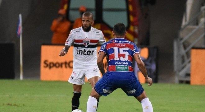 Daniel Alves foi bem, evitando derrota do São Paulo em Fortaleza