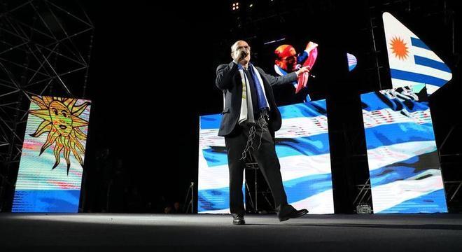 Daniel Martínez, da Frente Ampla, é o líder nas pesquisas de intenção