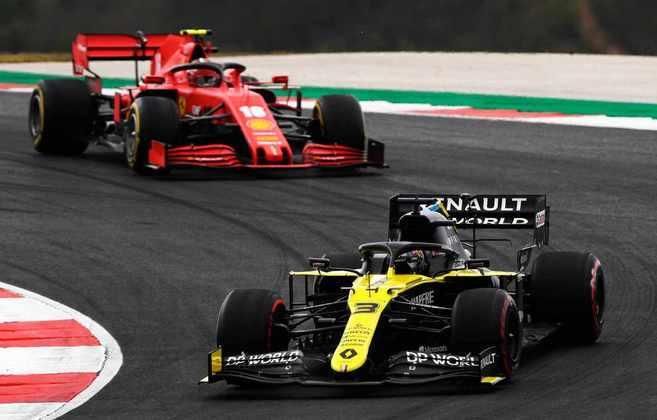 Daniel Ricciardo em ação no GP de Portugal. Australiano voltou a pontuar