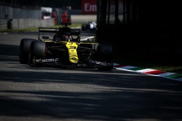 Daniel Ricciardo errou no Q2, mas passou para a parte final do treino
