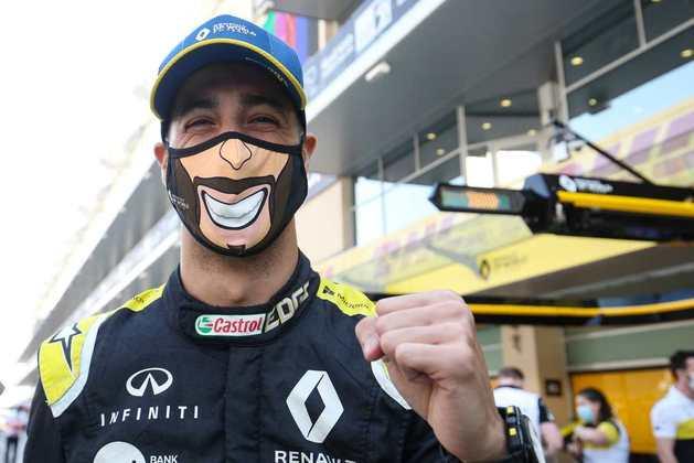 Daniel Ricciardo fechou a temporada com a volta mais rápida em Abu Dhabi