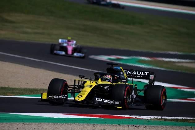 Daniel Ricciardo fechou o TL2 na quinta colocação