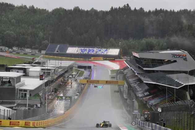 Daniel Ricciardo fez sua melhor volta neste sábado em 1min21s192