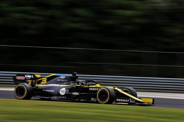 Daniel Ricciardo novamente ficou pelo caminho na classificação e amarga o 12º lugar no grid