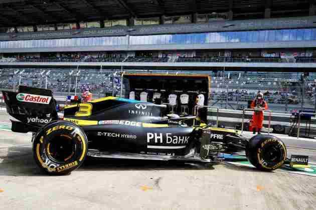 Daniel Ricciardo sai dos boxes para fazer outra boa classificação: quinto lugar no grid
