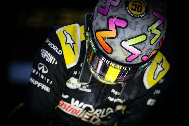 Daniel Ricciardo surpreendeu de forma negativa em Istambul.