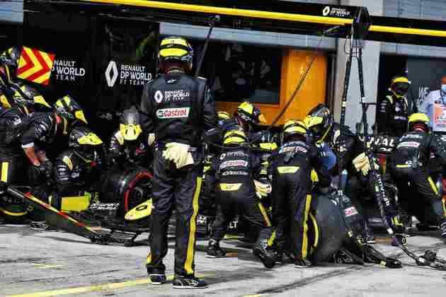Daniel Ricciardo tentou uma estratégia diferente da corrida, mas ficou em 8º