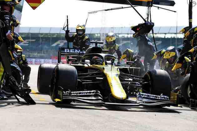 Daniel Ricciardo teve um domingo frustrante em Silverstone. Foi apenas 14º
