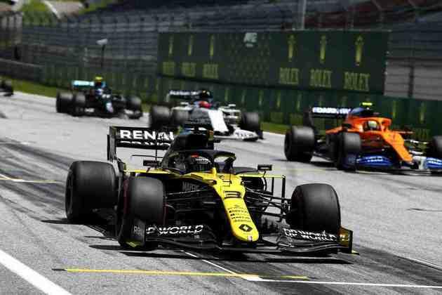 Daniel Ricciardo vai largar quarto posições à frente de seu companheiro Esteban Ocon, em décimo