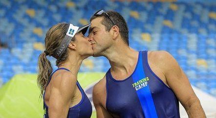 Daniella postou foto com o marido na web