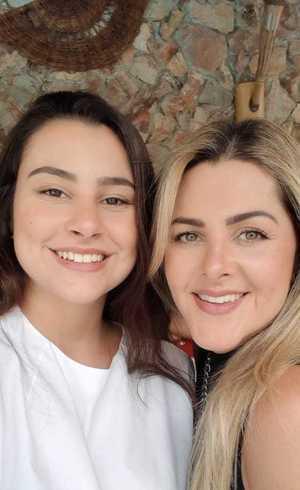 Danielle e a filha Maria Eduarda