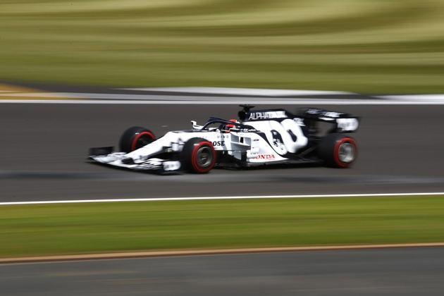 Daniil Kvyat fez o 14º tempo, mas perdeu cinco posições no grid por trocar o câmbio de sua AlphaTauri
