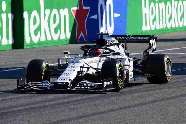 Daniil Kvyat não conseguiu acompanhar o ritmo do companheiro de time e foi o nono colocado