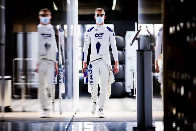 Daniil Kvyat sofreu o mais grave acidente do GP da Inglaterra