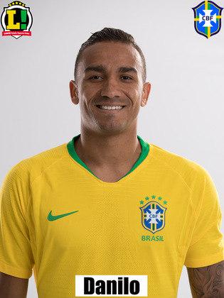 Danilo - 5,0 - Entrou para fazer a lateral-esquerda e deu uma pequena bobeada na marcação de Mena, que fez o gol do Equador.