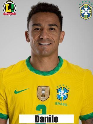 Danilo: 5,5 – Esteve envolvido no lance do gol, mas, por um erro da defesa, precisou marcar dois jogadores da Colômbia. Fora isso, fez uma partida correta no sistema defensivo, mas pouco acrescentou no ataque