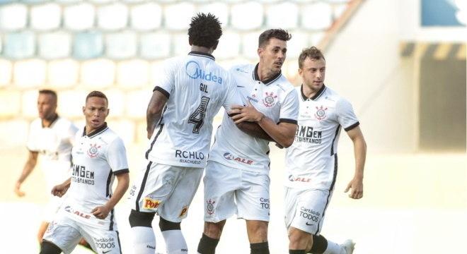 Danilo Avelar fez primeiro gol contra Oeste e falou do peso da camisa