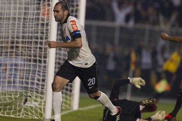 Danilo completa o top 5, com 40 assistências. O meia defendeu o Corinthians entre 2010 e 2018.