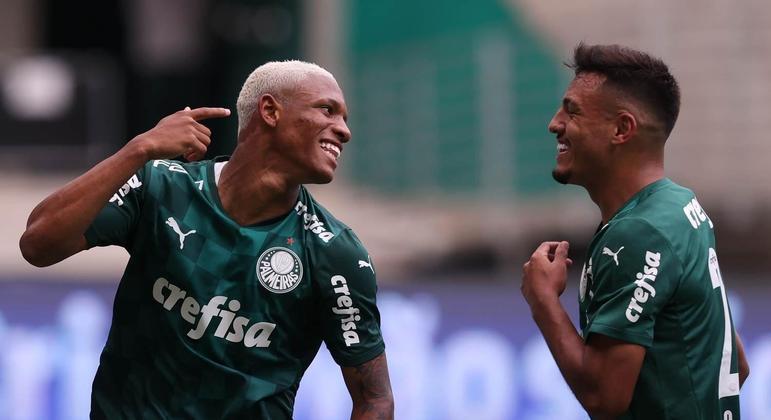 Danilo e Gabriel Menino podem ganhar as posições de Felipe Melo e Zé Rafael