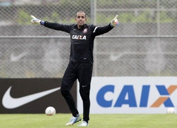 Danilo Fernandes - Deixou o Corinthians em 2015 para jogar no Sport. Em 2016, foi contratado pelo Internacional, onde é o reserva de Marcelo Lomba.