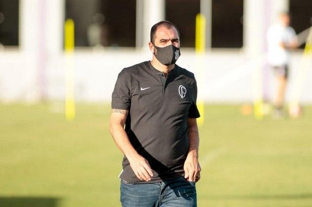 Danilo - meia-atacante - 42 anos - aposentado, foi contratado como técnico do time sub-23 do Corinthians sub-23 neste ano.