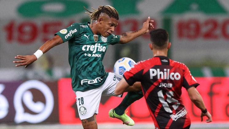 Danilo - Volante - Palmeiras - Valor segundo o Transfermarkt: 8 milhões de euros (aproximadamente R$ 50,17 milhões)