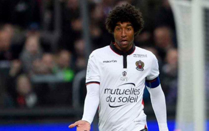 DANTE - O zagueiro brasileiro, que ficou marcado negativamente após a Copa do Mundo de 2014, quando defendia a Seleção Brasileira, está no Nice, da França, desde 2016. Dante tem 37 anos e contrato com o clube até junho de 2022.