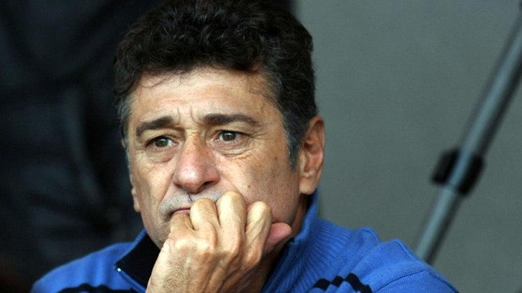 DARÍO PEREYRA - Ídolo da torcida por sua garra na zaga. Mas assumiu o time em 1997, com todo o suporte necessário. Não eu em nada.