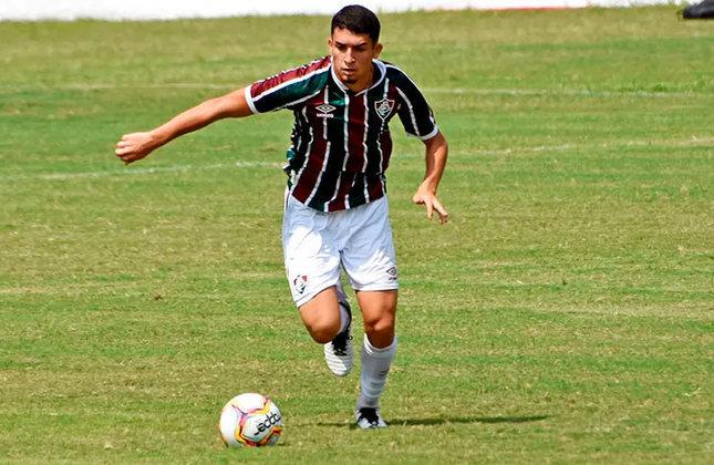 Davi - 19 anos - zagueiro - contrato com o Fluminense até 31/12/2023