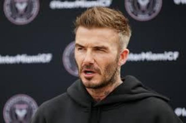 """David Beckham, ex-jogador e hoje dono do Inter de Miami, da MLS, já se envolveu em ações contra a malária (é embaixador da organização """"Malaria No More""""), bullying e doou todo o seu salário enquanto era jogador do Paris Saint-Germain a instituições de caridade"""
