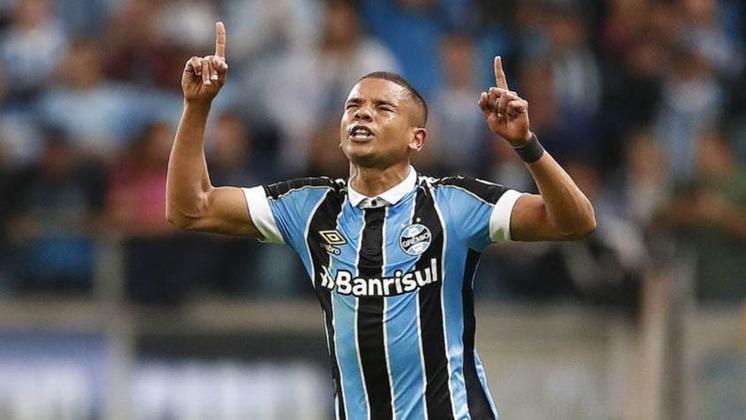 DAVID BRAZ- Grêmio (C$ 8,41) Sem negativar nas nove partidas que realizou, pode ter uma boa pontuação no clássico contra o Inter. Sua equipe atravessa uma fase melhor nos Gre-Nais e o fator psicológico pode fazer a diferença!