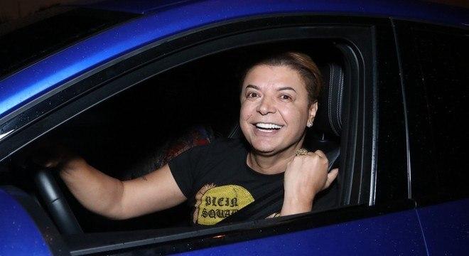 "dfcc11033 David Brazil tem carro riscado com a palavra ""racista"" após polêmica ..."