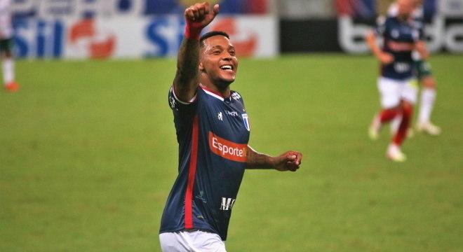 David fez dois gols do Fortaleza contra o Palmeiras
