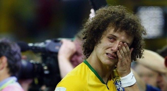 David Luiz não quer. Mas ele se tornou o símbolo dos 7 a 1 para a Alemanha